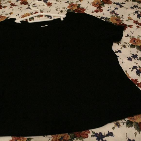 comfy black tshirt(FREE in bundle)